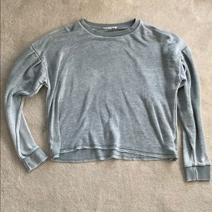 American Eagle Outfitters Tops - Flowy Cropped Thin Sweatshirt